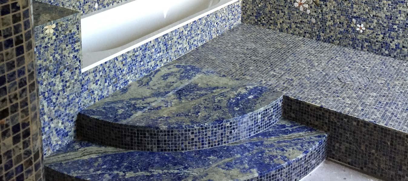 Mosaico a tessere Sodalite Blu - Domus Petra - Artigiani del Marmo