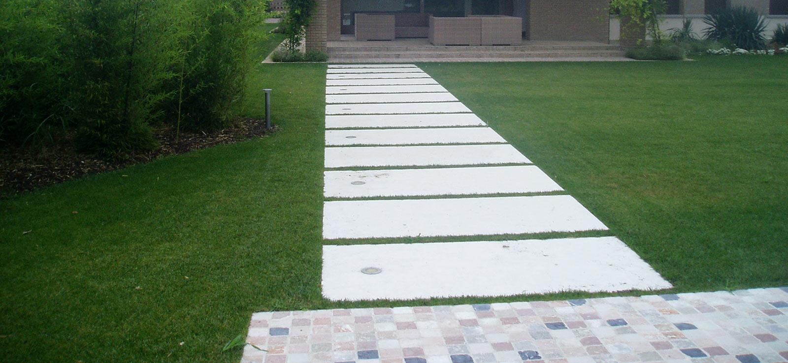 Pavimentazione esterna a doghe in pietra bianca domus - Pavimentazione esterna ...